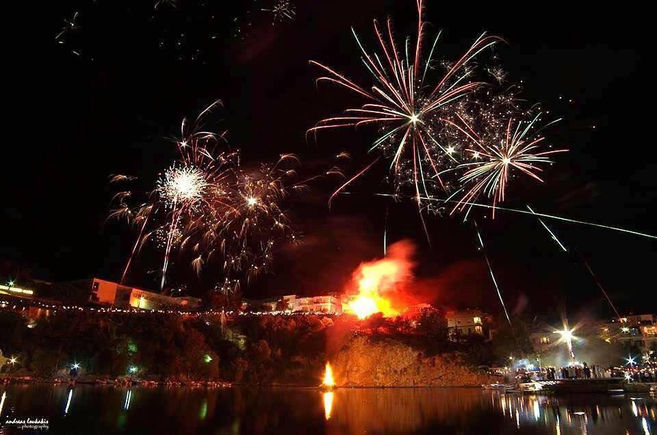 fireworks easter agios nikolaos crete
